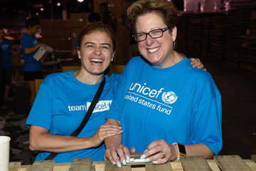 Caryl Stern Emma Ferrer, Audrey Hepburn's Granddaughter, Joins UNICEF And UPS Volunteers In Packing Thousands Of Winter Survival Kits For Syrian Children In Edison, NJ