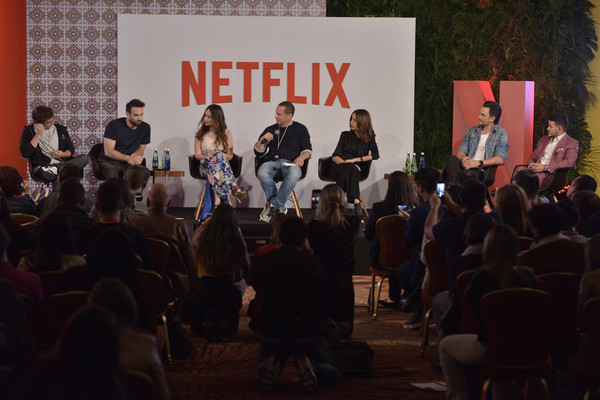 Netflix Slate Event 2018 in Colombia [local originals,event,youth,community,design,crowd,performance,adaptation,audience,convention,news conference,vp,r,miguel herran,erik barmack,camila sodi,charlie cox,colombia,netflix,netflix slate event]