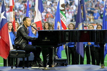 Watch: John Legend and Idina Menzel's Performances at the Super Bowl