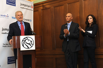 Bill Barke Celebrities Join Jumpstart's Read For The Record At New York Public Library