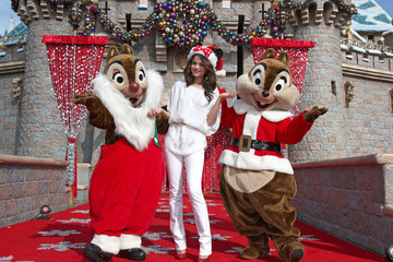 Celebs Celebrate the Holidays 2010