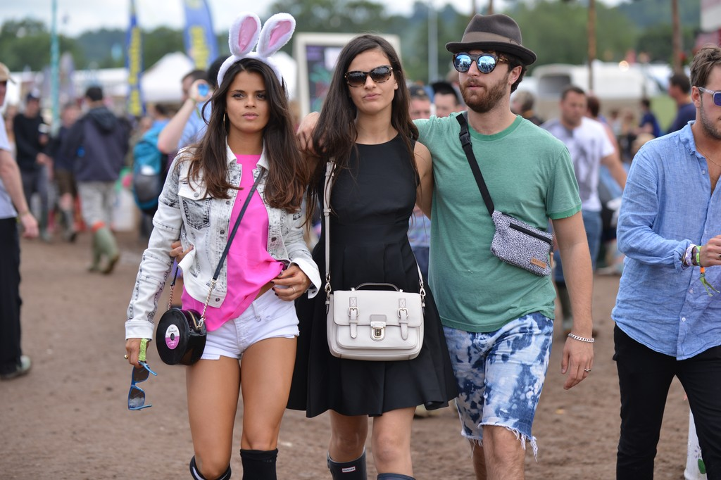A History of Celebrities in Rain Boots at Glastonbury | E ...