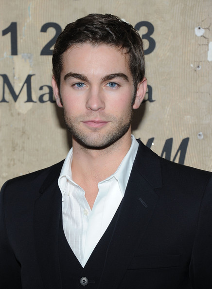 http://www2.pictures.zimbio.com/gi/Chace+Crawford+Maison+Martin+Margiela+H+Global+phl18GvTXH2l.jpg