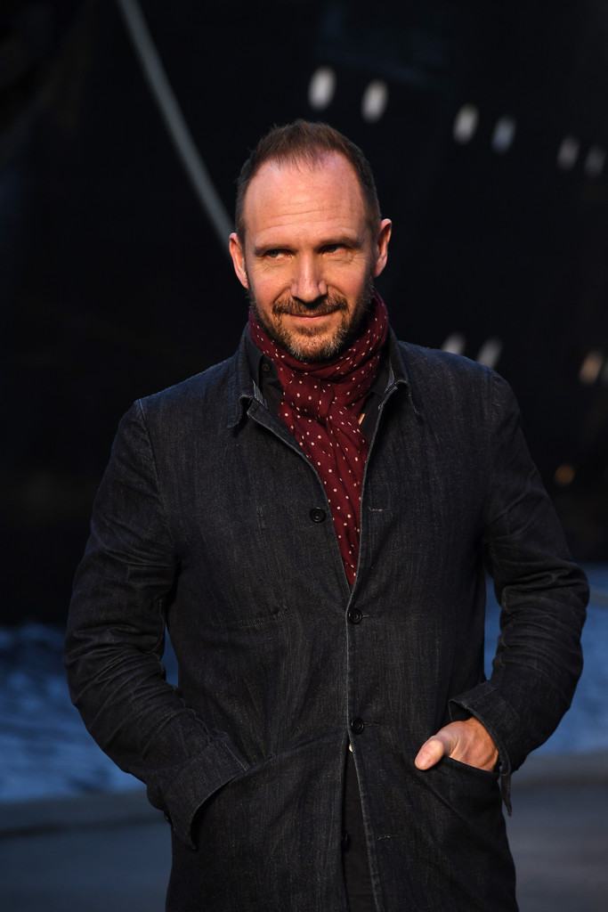 Ralph Fiennes - Ralph Fiennes Photos - Chanel Cruise 2018 ...