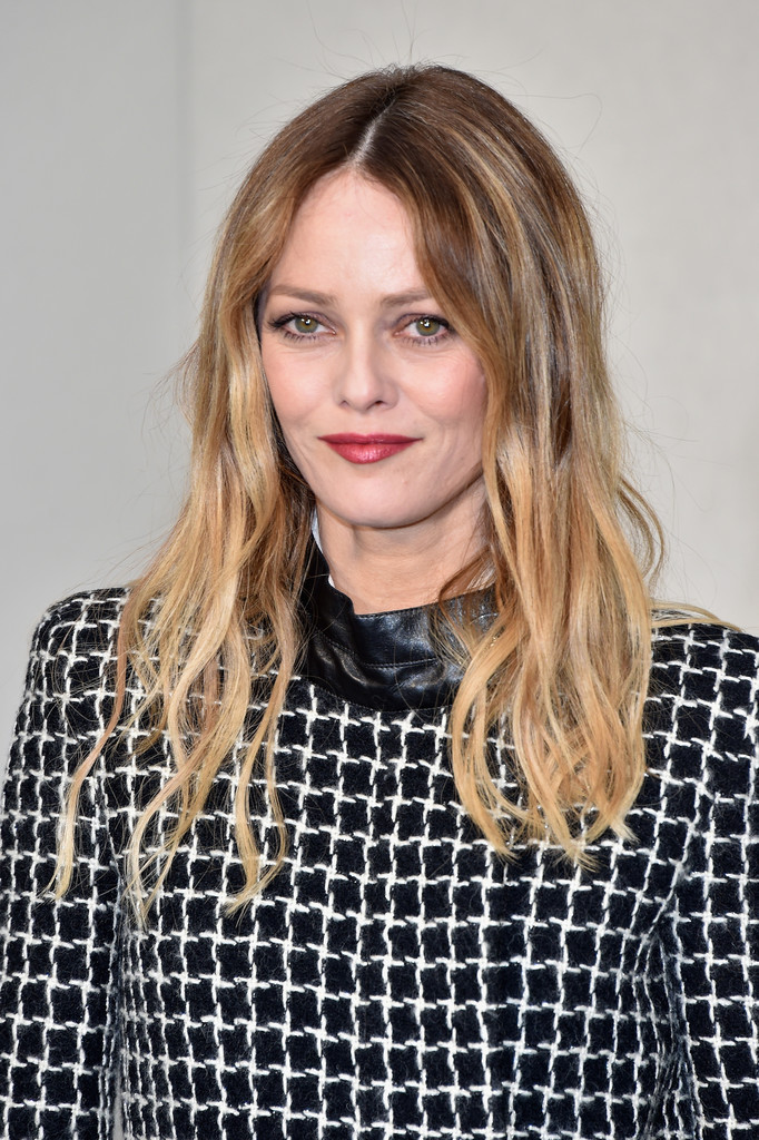 Vanessa Paradis Photos Photos - Chanel : Front Row - Paris ... Vanessa Paradis