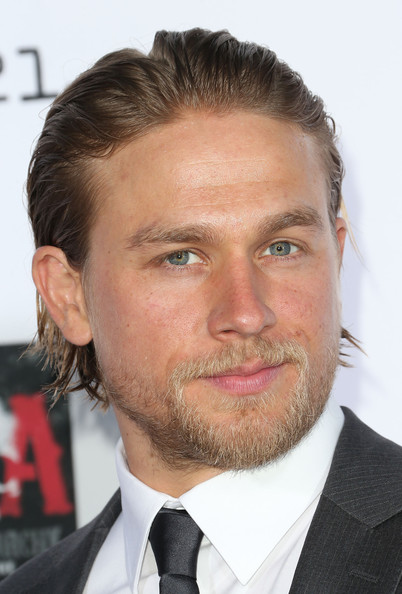 """Charlie Hunnam - Premiere Of FX's """"Sons Of Anarchy"""" Season 6 - Arrivals"""
