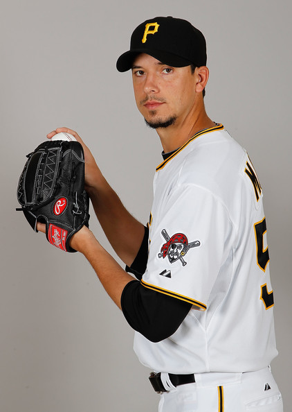 charlie morton charlie morton photos pittsburgh pirates photo day zimbio charlie morton charlie morton photos