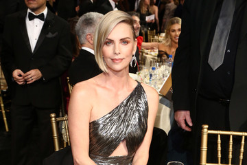Charlize Theron The Critics Choice Awards Sponsored By Lindt Chocolate