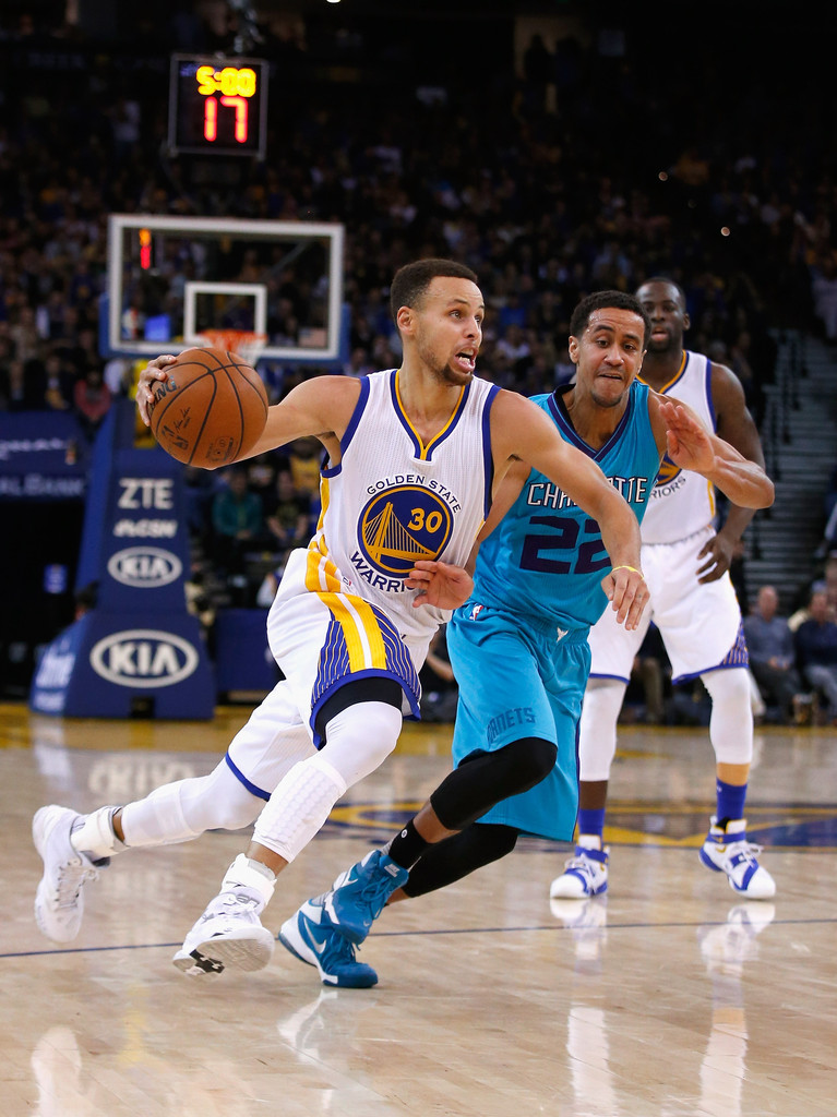 649488c8fcf3 NBA  Steph Curry struggles in front of hometown Hornets crowd ...