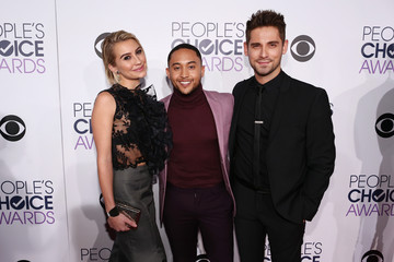 Chelsea Kane People's Choice Awards 2016 - Red Carpet