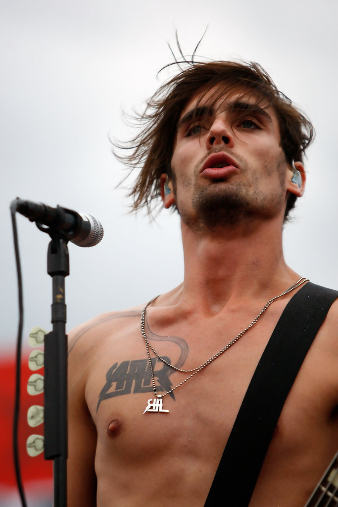 tyson ritter photos photos chevy rock roll 400 zimbio. Black Bedroom Furniture Sets. Home Design Ideas