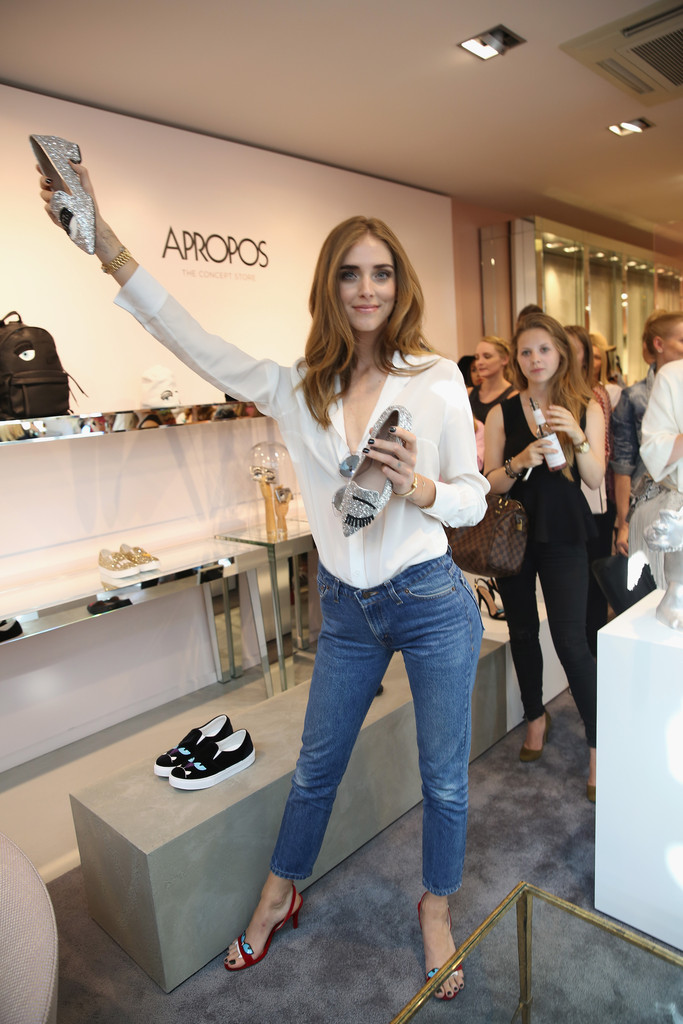 chiara ferragni photos photos chiara ferragni opens first pop up store in cologne zimbio. Black Bedroom Furniture Sets. Home Design Ideas