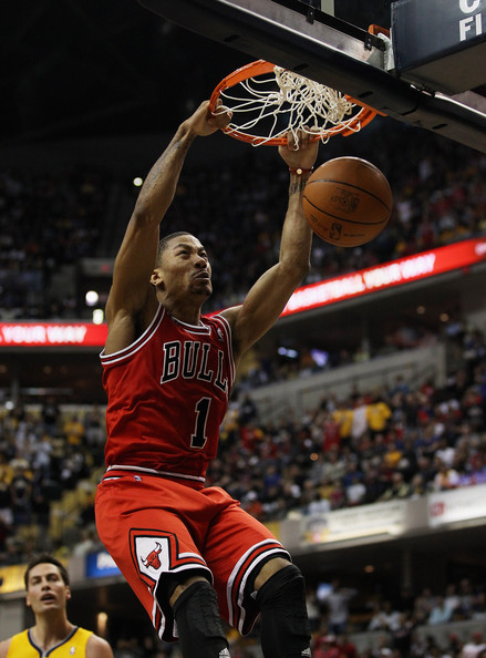 chicago bulls derrick rose dunking. derrick rose dunking on
