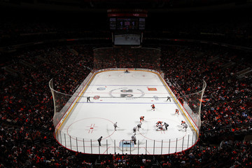 Chicago Blackhawks Chicago Blackhawks v Philadelphia Flyers