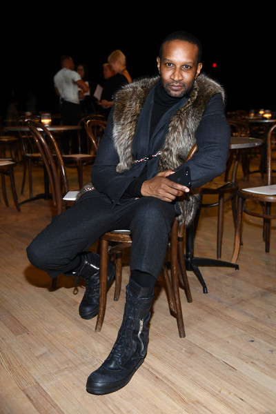 Marc Jacobs Fall 2020 Runway Show - Front Row [marc jacobs fall 2020 runway show,sitting,fashion,footwear,shoe,leg,human body,leather,fur,knee,textile,marc jacobs,chris chambers,front row,new york city,runway show,new york fashion week,livingly media,photograph,image,2018,lonny,january 26]