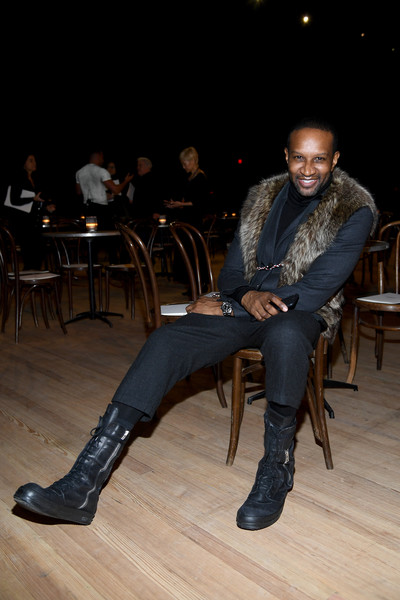 Marc Jacobs Fall 2020 Runway Show - Front Row [marc jacobs fall 2020 runway show,sitting,footwear,fashion,leg,photography,shoe,leather,marc jacobs,chris chambers,front row,new york city,runway show,new york fashion week,sitting]