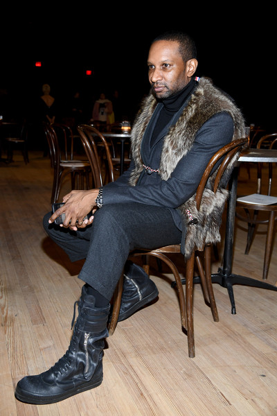 Marc Jacobs Fall 2020 Runway Show - Front Row [marc jacobs fall 2020 runway show,sitting,fashion,footwear,human,leg,shoe,photography,jeans,fashion design,fur,marc jacobs,chris chambers,front row,new york city,runway show,new york fashion week,chris chambers,image,photograph,livingly media,fashion,2020,socialite,february 12,sitting]