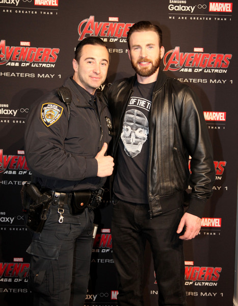 Chris evans photos photos samsung galaxy studio hosts chris evans samsung galaxy studio hosts chris evans fan meet and greet m4hsunfo