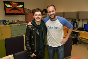 Chris Helfrich Tom Holland Visits LAC+USC Medical Center To Support Marvel's The Universe Unites