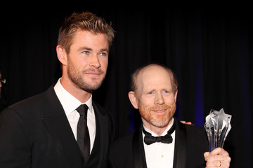 Chris Hemsworth Backstage at the Critics' Choice Movie Awards