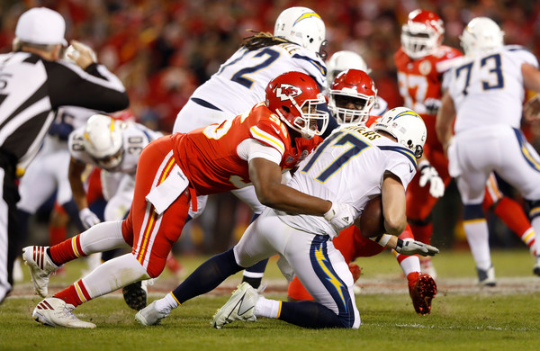 http://www2.pictures.zimbio.com/gi/Chris+Jones+Los+Angeles+Chargers+v+Kansas+9srJfeChjoWl.jpg