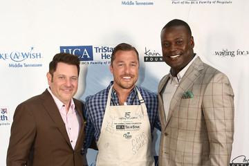 Chris Soules Waiting for Wishes Celebrity Waiters Dinner hosted by Kevin Carter and Jay DeMarcus