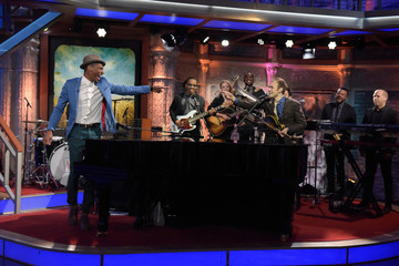 """Chris Thile CBS's """"The Late Show with Stephen Colbert"""" - Season Two"""