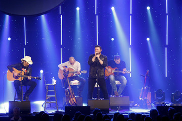 Chris Young CBS RADIO's Third Annual 'Stars and Strings' Concert Honoring Our Nation's Veterans, Nov. 15 at the Chicago Theatre - Show