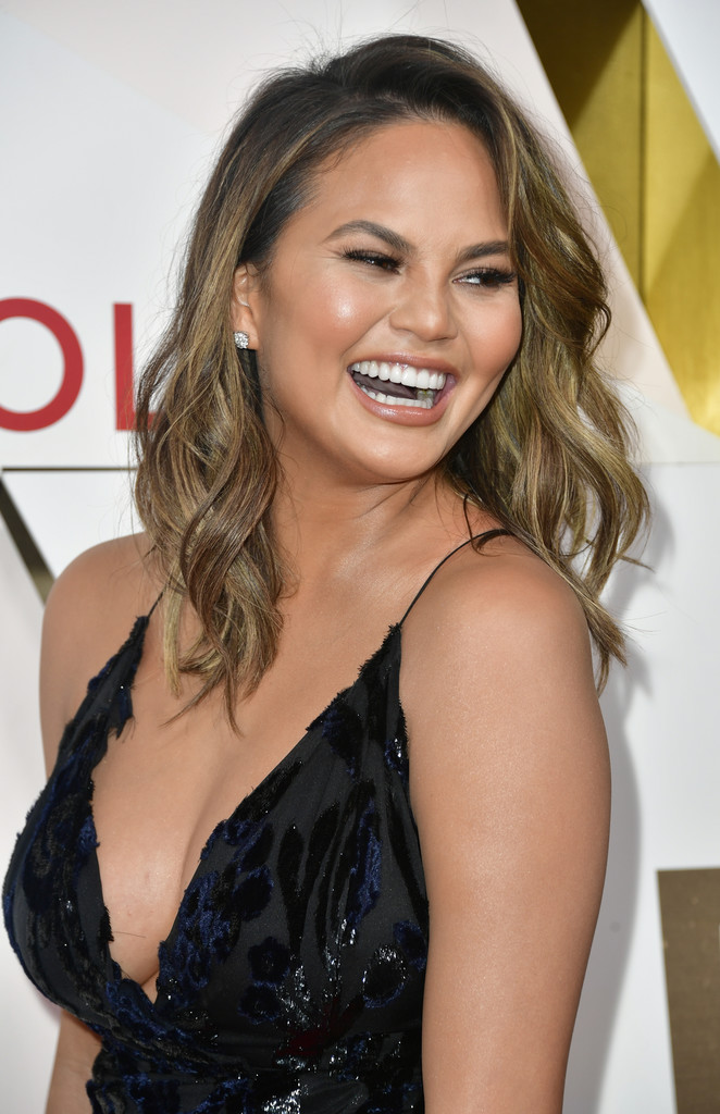 Chrissy Teigen attends the #REVOLVEawards at DREAM Hollywood on November 2, 2017 in Hollywood, California.