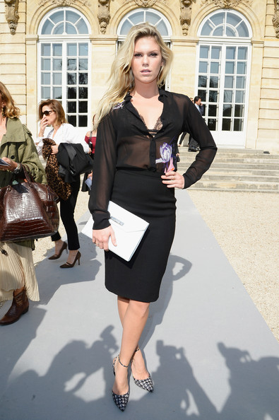 PFW: Arrivals at Christian Dior - 1 of 5