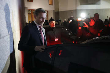 Christian Lindner Parties Struggle to Find Consensus in Preliminary Coalition Talks