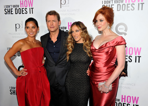 "Christina Hendricks Actors Olivia Munn, Greg Kinnear, Sarah Jessica Parker and Christina Hendricks attend the premiere of The Weinstein Company's ""I Don't Know How She Does It Premiere"" sponsored by QVC & Palladium Jewelry at AMC Lincoln Square Theater on September 12, 2011 in New York City."