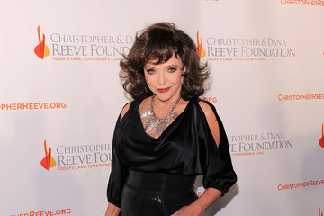 Joan Collins Christopher & Dana Reeve Foundation's A Magical Evening 20th Anniversary Gala Wednesday, November 17, 2010 New York Marriott Marquis - Red Carpet
