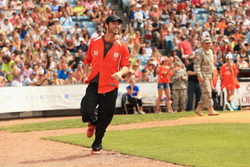 Chuck Wicks City of Hope Celebrity Softball Game at CMA Festival - Game