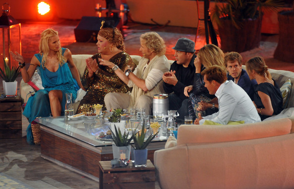 "Cindy aus Marzahn (L-R) Michelle Hunziker, Cindy aus Marzahn, Thomas Gottschalk, Kevin James, Heidi Klum, Sebastian Vettel, Cameron Diaz and Dieter Bohlen attend the ""Wetten dass..?"" Summer Edition on June 18, 2011 in Palma de Mallorca, Spain."