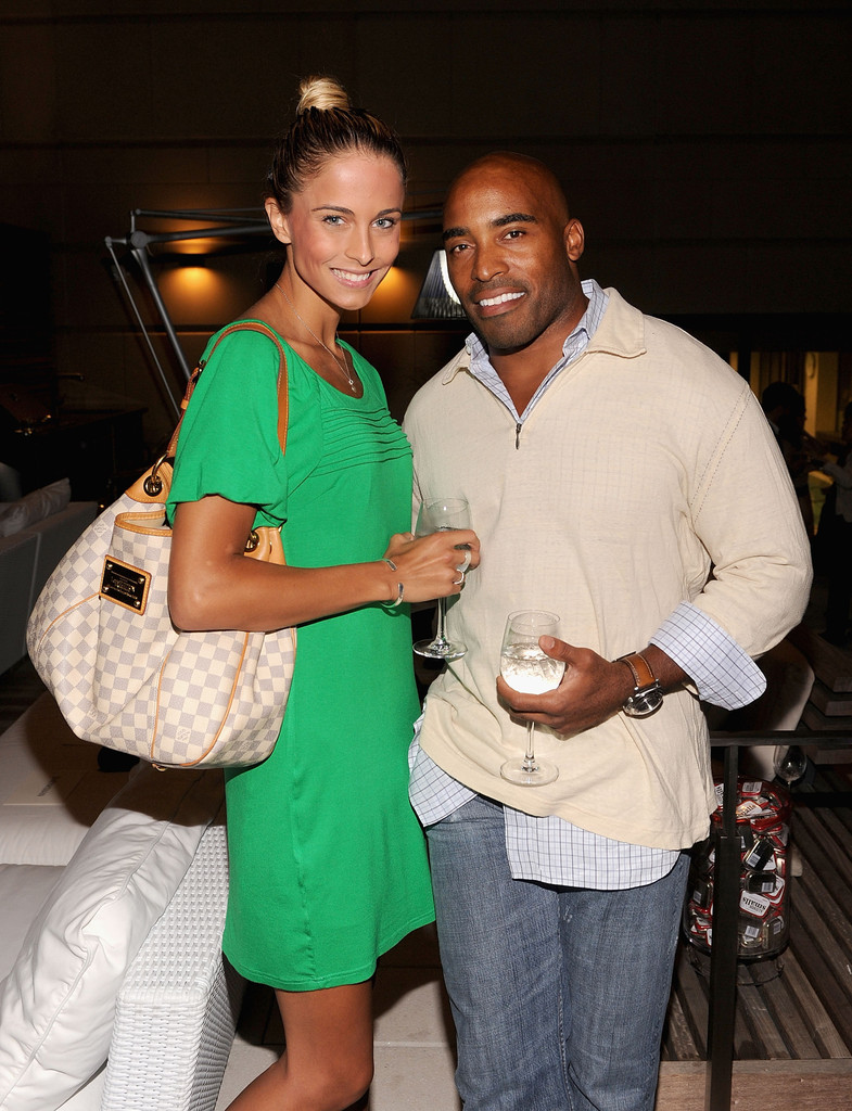 Barber Brothers : Barber Proposes to 24-Year-old Girlfriend Traci Johnson - Tiki Barber ...