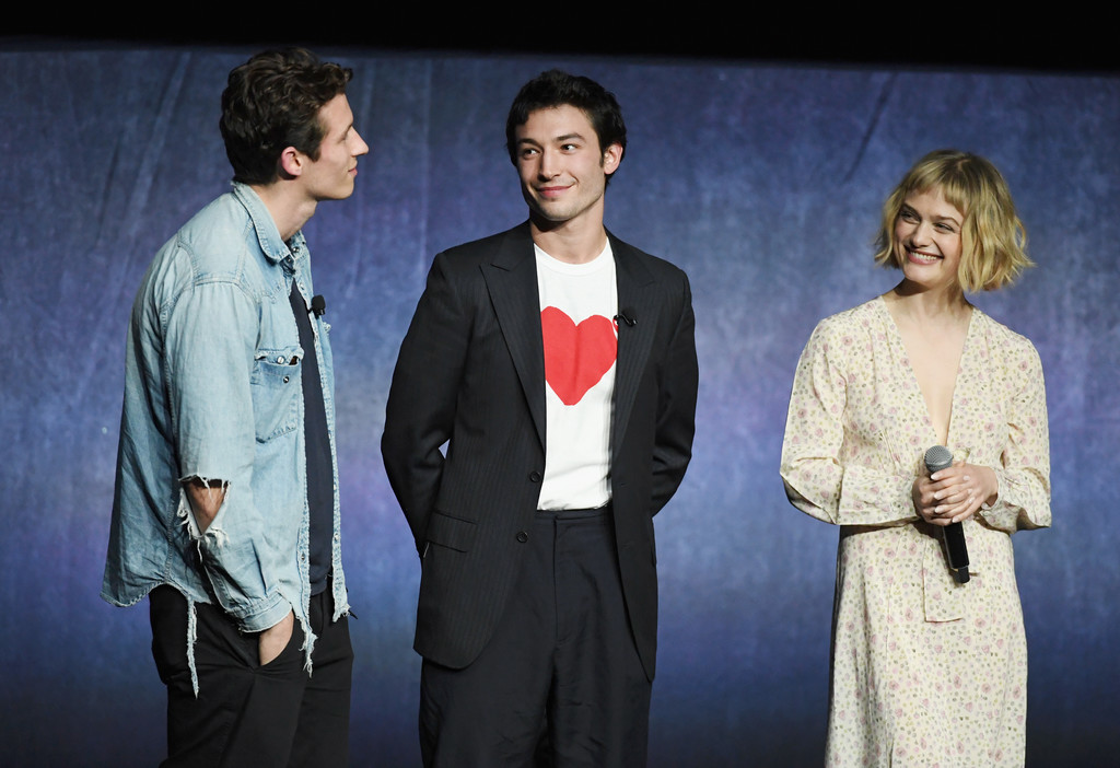 http://www2.pictures.zimbio.com/gi/CinemaCon+2018+Warner+Bros+Pictures+Invites+wy-FJt_B3YZx.jpg
