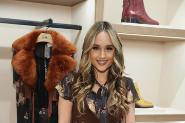 Cinta Laura Kiehl Coach In-Store Event with Selena Gomez