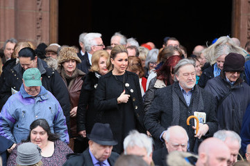 Claire Sweeney Funeral Of Ken Dodd Takes Place In Liverpool