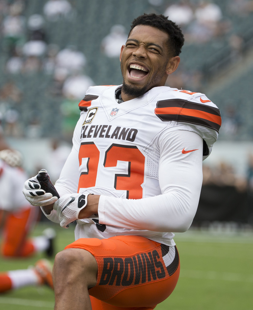 Joe Haden Photos Photos - Cleveland Browns v Philadelphia ...