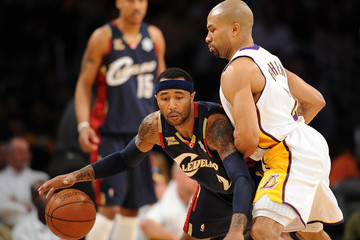 Mo Williams Derek Fisher Cleveland Cavaliers v Los Angeles Lakers