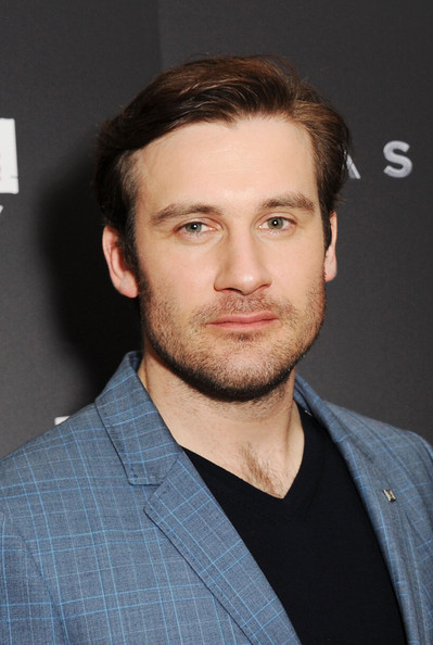 clive standen salary