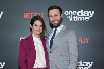 """Cobie Smulders Taran Killam Premiere Of Netflix's """"One Day At A Time"""" Season 3 - Arrivals"""