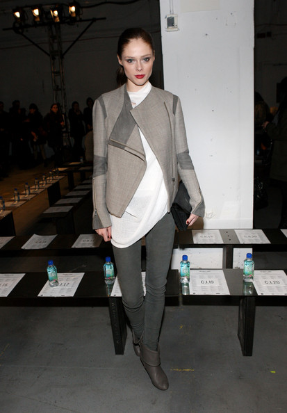 coco rocha photos photos helmut lang front row fall. Black Bedroom Furniture Sets. Home Design Ideas