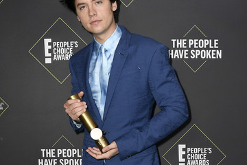 Cole Sprouse 2019 E! People's Choice Awards - Social Crops