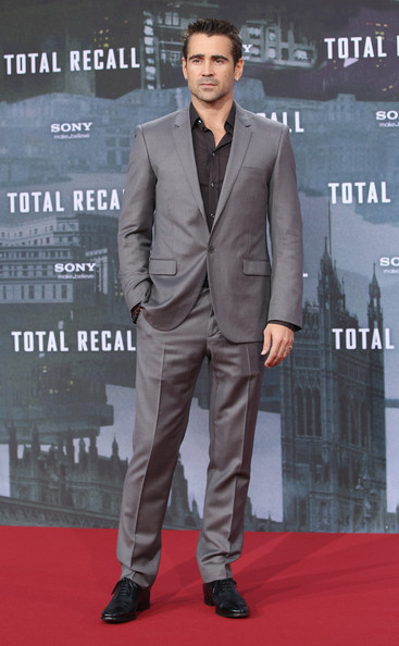 http://www2.pictures.zimbio.com/gi/Colin+Farrell+Total+Recall+Berlin+Premiere+rmMuvABc-pRl.jpg