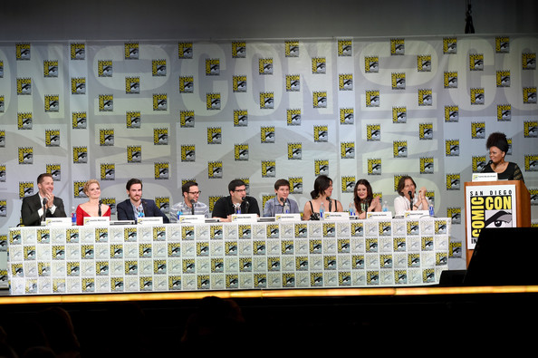 "ABC's ""Once Upon A Time"" Panel - Comic-Con International 2014 [once upon a time,event,games,adam horowitz,edward kitsis,yvette nicole brown,writer,actors,actors,l-r,abc,comic-con international]"