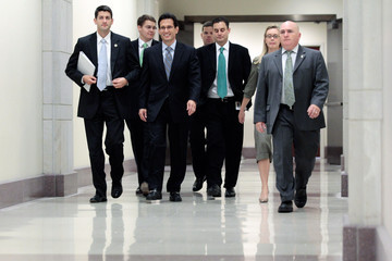 Eric Cantor Paul Ryan Congress Prepares To Vote On Debt Ceiling Deal