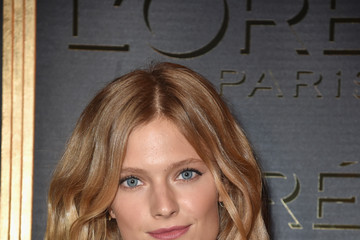 Constance Jablonski Gold Obsession Party - L'Oreal Paris : Photocall - Paris Fashion Week Womenswear Spring/Summer 2017