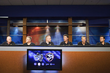 Greg Chamitoff Crew Of The Endeavour Discuss Next Month's Shuttle Mission